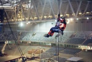 Projektledare Carl arbetar i Tele2 Arena