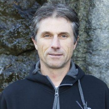 Kontakta oss på Klätterteknik, mejl och telefonnummer till Olivier Lasmarias Projektledare Bergsäkring Reparbete