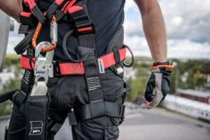 Kontakta oss om fallskydd, reparbete och utbildning