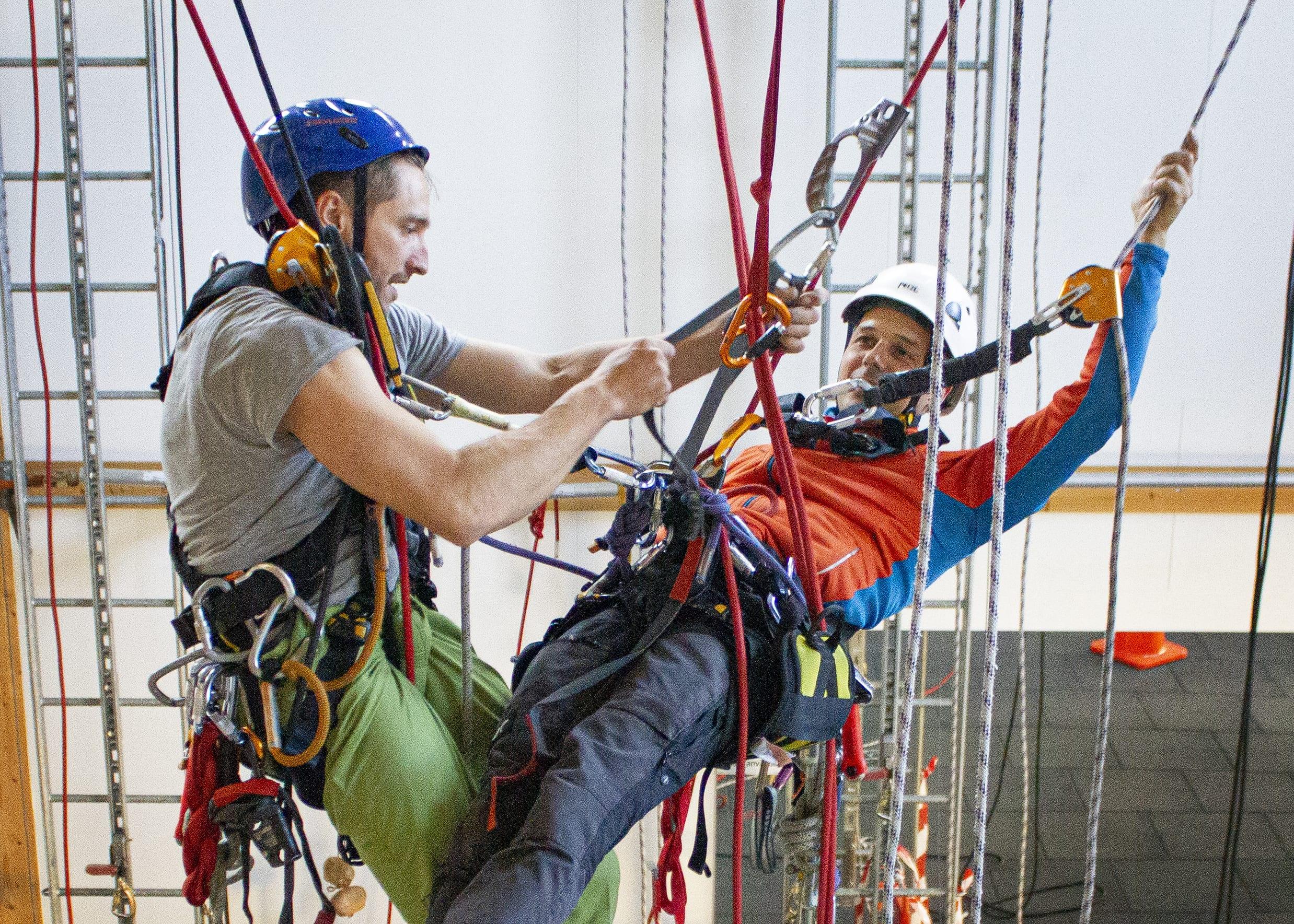 Utbildningar, kurser, fallskydd, lyft, yrkesklättring, säkerhet, jobba säkert, IRATA