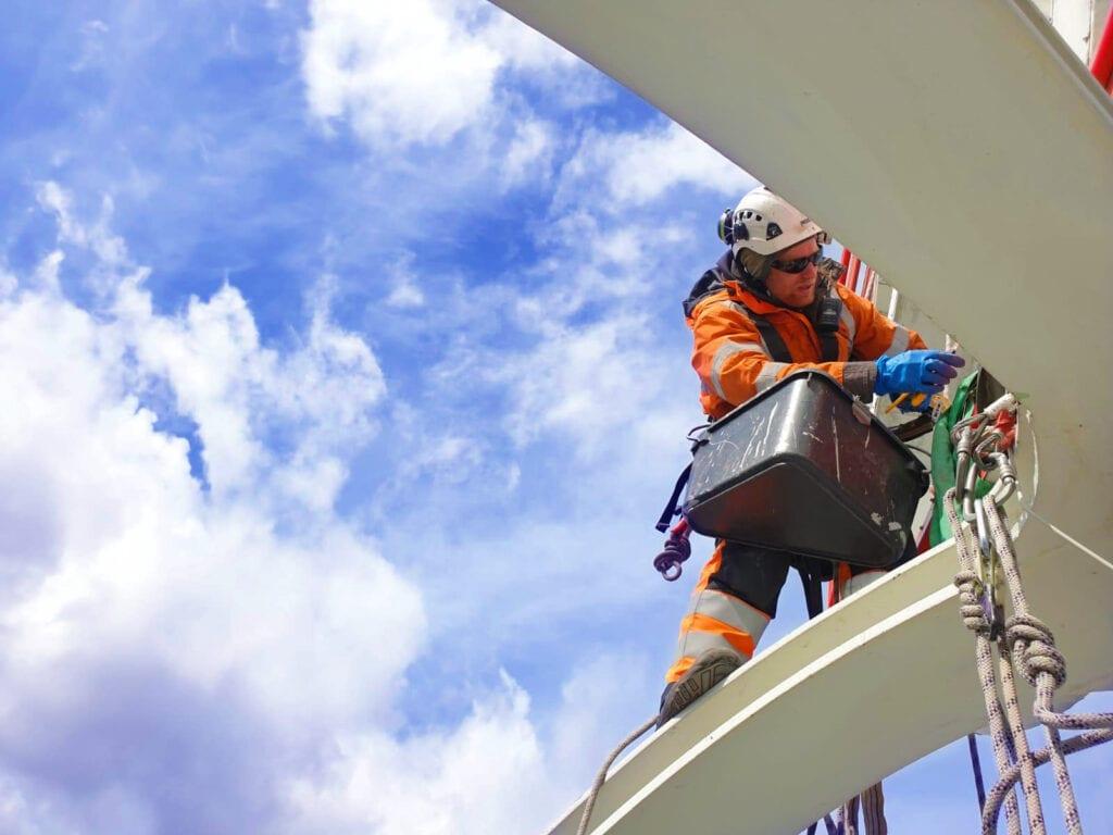 Reparbete, yrkesklättring, IRATA, utbildning, kurs, rope access, yrkesklättrare, reparbetare, nivå 3, level 3, säkringsledare, SPRAT, SOFT, konvertering, nivå 2, level 2, konvertera